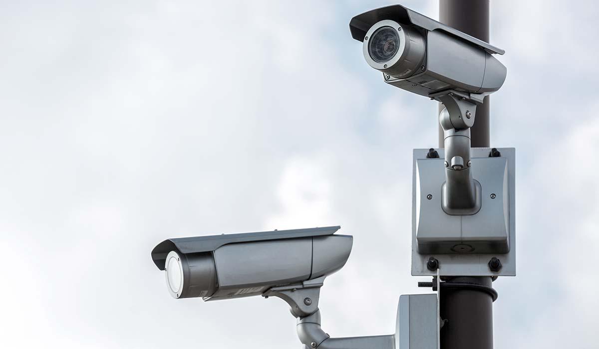 Polis far kameraovervaka rinkeby