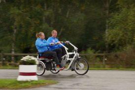 Robin Berkuizen på sin side-by-side-cykel.