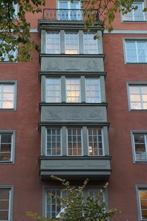 Gammalt stenhus på Birger Jarlsgatan – snart bostäder istället för omoderna kontor.