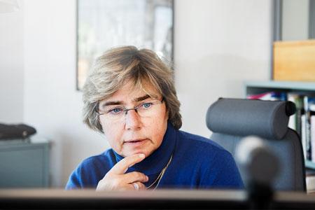 Även om det blir många timmar på jobbet tycker Ulrika Francke att hon har en bra balans. På fritiden går hon gärna på teater och inte bara för att hon sitter som ordförande i Stockholm stadsteater sedan sex år tillbaka. – Jag har den mycket bestämda uppfattningen att vi blir bättre människor när vi tar del av kultur.